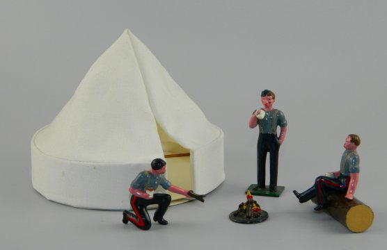 American Civil War Camp Fire Set with Tent