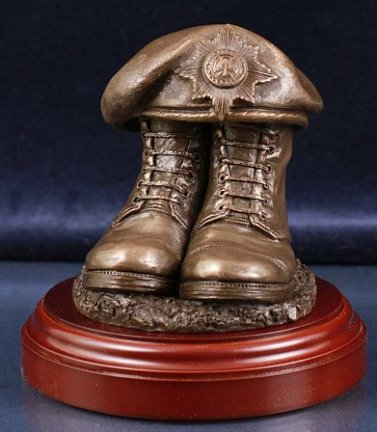 Irish Guards Boots and Beret, Round Display Base