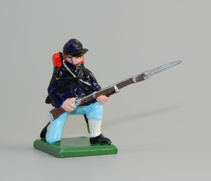 Union Infantry Kneeling on Guard